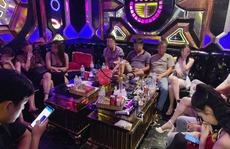 16 nam, nữ thanh niên 'bay lắc' trong quán karaoke bất chấp lệnh cấm