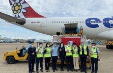 13 tấn thiết bị y tế của Thụy Sĩ gửi tặng đã đến sân bay Tân Sơn Nhất