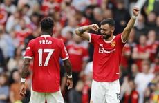'Song sát' Pogba - Fernandes lập kỷ lục, Man United thắng 5 sao ngày ra quân