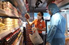 TP HCM có thêm 3 'siêu thị mini' trên xe buýt
