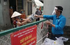 Hỗ trợ thực phẩm, cải thiện bữa ăn cho công nhân khó khăn