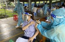 Hơn 300 công nhân KCX Tân Thuận được tiêm vắc-xin Vero Cell