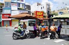Xe công nghệ ở TP HCM 'đục nước béo cò'