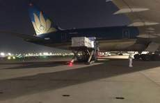 Thêm 1 triệu liều vắc-xin Vero Cell về tới sân bay Tân Sơn Nhất