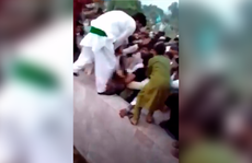 Pakistan 'xấu hổ' vụ 400 gã đàn ông sàm sỡ nữ Tiktoker ngoài đường