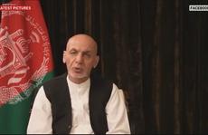 Tổng thống Afghanistan 'ra đi với quần áo, không phải hàng triệu USD'