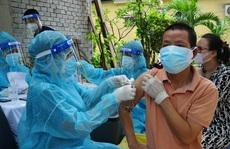 TP HCM: Tốc độ tiêm vắc-xin tăng từng ngày