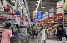 Hàng hóa dồi dào để người dân mua sắm