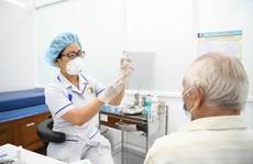 Bị hở van tim có chống chỉ định tiêm vắc-xin Covid-19?