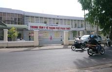 Bình Thuận: Yêu cầu tạm đình chỉ Giám đốc Trung tâm y tế vì lơ là phòng, chống dịch