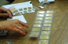Giá vàng hôm nay 21-8: Vàng PNJ tăng sốc