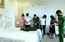 Nhóm 13 nam, nữ thuê khách sạn chơi ma túy bất chấp dịch bệnh