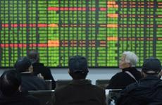 Hơn 560 tỉ USD bốc hơi khỏi thị trường chứng khoán Trung Quốc
