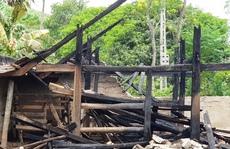 Nữ sinh lớp 8 đốt một nhà ở và hàng loạt nhà chứa rơm của người dân