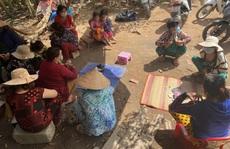 Bắt quả tang 12 phụ nữ đánh bài ăn tiền trong lúc giãn cách