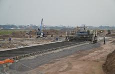 Đề nghị dự án cải tạo đường cất, hạ cánh sân bay Tân Sơn Nhất được thi công xuyên dịch