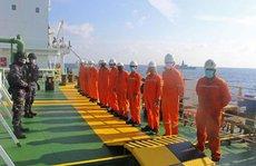 Bắt được con tàu cả gan 'trộm gần 300.000 thùng dầu của Campuchia'