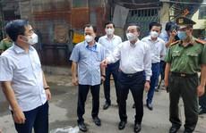 Chủ tịch Hà Nội thị sát tại ổ dịch phức tạp, nguy cơ nhất có 42 ca nhiễm SARS-CoV-2