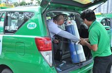 132 tình nguyện viên tham gia cấp cứu F0 bằng taxi