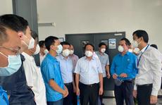 """Phó Thủ tướng Lê Văn Thành thăm công nhân """"3 tại chỗ"""" tại KCX Tân Thuận"""
