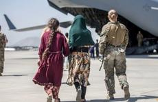 Chưa hết hoảng loạn, sân bay Kabul sắp chịu loạt tấn công khủng bố?
