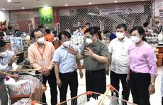 Thủ tướng Phạm Minh Chính kiểm tra công tác chuẩn bị hàng hóa của Saigon Co.op