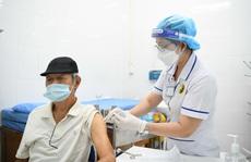 Dị ứng với thuốc có tiêm vắc-xin Covid-19 tại bệnh viện được không?