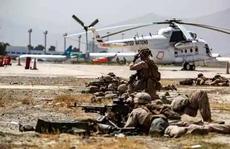 Mỹ trút đòn giáng trả sau vụ đánh bom đẫm máu ở sân bay Kabul