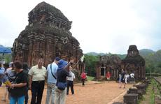 Tiền hỗ trợ đến tay hướng dẫn viên du lịch ở Quảng Nam
