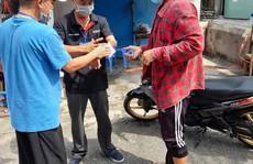 Chém đứt gân tay người trực chốt tổ Covid cộng đồng vì bị kiểm tra giấy tờ