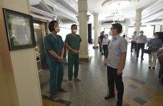 Phó Thủ tướng Vũ Đức Đam đến thăm các khách sạn chung tay phòng chống Covid-19 tại TP HCM