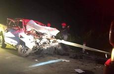 4 cán bộ y tế đi xe bán tải gặp tai nạn, 1 người tử vong
