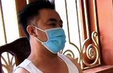 Kẻ chém người tình trong nhà nghỉ đang bị truy nã tội giết người