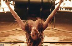 """Danh ca Beyonce trình diễn, khoe đường cong """"bốc lửa"""""""