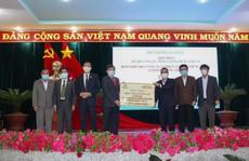 Tập đoàn Hưng Thịnh hỗ trợ gần 11 tỉ đồng cùng nhiều tỉnh, thành chống dịch Covid-19