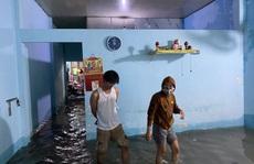 Khu dân cư ngập sâu giữa trung tâm Đà Nẵng