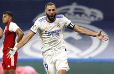 Hat-trick Benzema và mưa bàn thắng ngày Real Madrid trở lại Bernabeu