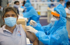 Đừng lo miễn dịch yếu vì 'tiêm trộn' vắc-xin