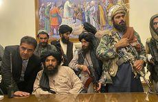 'Phó thủ tướng' của Taliban bỏ chạy sau cuộc ẩu đả trong dinh tổng thống?
