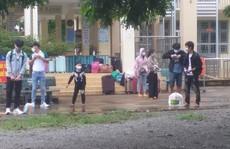 Bình Thuận đưa 15 người 'ngồi thùng xe đông lạnh né chốt' về quê