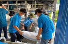 Tiếp nhận 160 tấn hàng hóa ủng hộ công nhân khó khăn