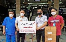 VietCredit tặng thiết bị y tế cho Bệnh viện Đại học Y Dược TP HCM