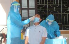 Vợ mắc Covid-19, chồng và con lấy mẫu xét nghiệm cùng dương tính SARS-CoV-2