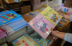 Nháo nhào tìm sách giáo khoa cho con