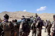 Nội bộ Taliban lục đục, trùm tình báo Pakistan bay sang dàn xếp?