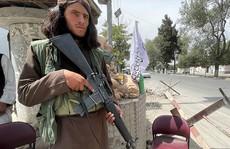 Taliban bị cáo buộc bắn chết nữ cảnh sát mang thai trước mặt gia đình