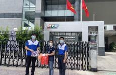Quỹ Từ Thiện Kim Oanh tặng thuốc hỗ trợ điều trị Covid-19 cho các phóng viên
