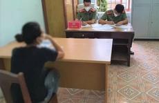 Bị xử phạt khi ra đường không cần thiết, cô gái cay cú lên mạng xúc phạm công an