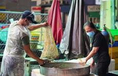 Vì sao hàng hóa tại điểm trung chuyển chợ đầu mối Bình Điền đạt mức thấp trong đêm đầu tiên hoạt động?
