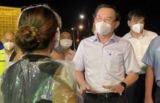 Bí thư Thành ủy TP HCM Nguyễn Văn Nên kiểm tra chợ Bình Điền